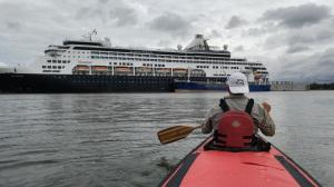 Traversing Large Vessels on the Seaway